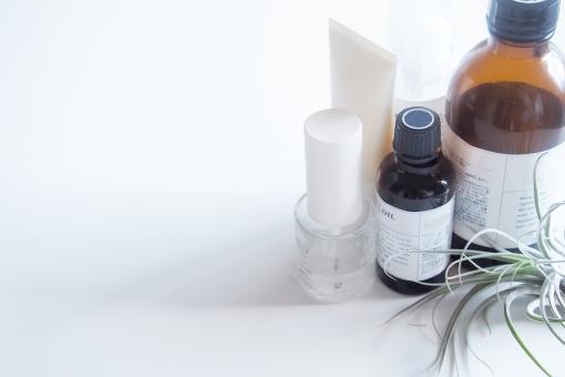 薬用化粧品と医薬部外品の違いは。効果・効能、オーガニックコスメとどちらが良いのか