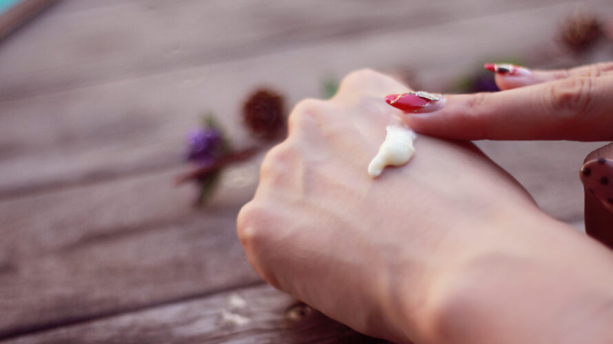 指がかゆい!ストレスで急に耐え難いかゆみ…指はどういう状態か