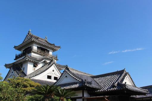 英語で説明!「幕府」はshogunate!?読み方と由来、幕府と朝廷の違いは?